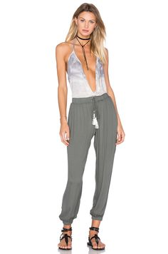 Young, Fabulous & Broke Sela Top em Charcoal Water Ripple Wash