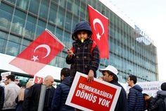 Opera Mundi - Autoridades turcas assumem controle de principal jornal de oposição ao governo