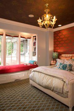 Window seat в спальне