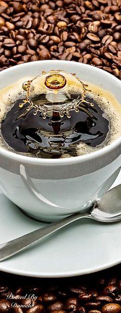 Good to the Last Drop! Best Home Espresso Machine, Cappuccino Machine, Best Espresso, Coffee Latte, Coffee Shop, Coffee Cups, Coffee Girl, I Love Coffee, Good Morning Coffee