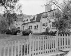 Clark Gable's ranch house located at 4525 Petit Drive (although now the address is 4543 Tara Drive) in the hills of the Encino suburb of the San Fernando Valley (March After Gable's death in his heirs sold the property to subdividers who b