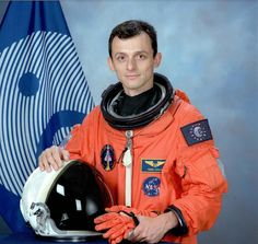 @ESA_History The 1st Spanish citizen in space, ESA astronaut Pedro Duque. @astro_duque is launched on STS-95 #OTD 1998.