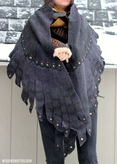Another view of wing shawl. Cloak-like closure in front. I love the look of it! Feather Cape, School Costume, Textiles, Character Design Inspiration, Wearable Art, How To Make, How To Wear, Creations, Dress Up