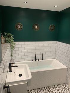 Dark Green Bathrooms, White Bathroom, Modern Bathroom, Bathroom Green, Victorian Tiles Bathroom, Small Dark Bathroom, Bathroom Colours, Family Bathroom, Bathroom Design Small