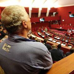 Offerte lavoro Genova  Domani sono in programma due manifestazioni che convergeranno su palazzo Tursi  #Liguria #Genova #operatori #animatori #rappresentanti #tecnico #informatico Iren e ordinanza anti-movida assedio al consiglio comunale di Genova