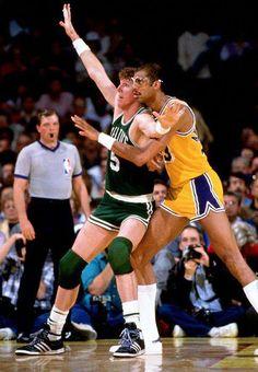 Bill Walton and Kareem Abdul-Jabbar 1985 Basketball Pictures, Love And Basketball, Sports Basketball, Basketball Players, Celtics Basketball, Basketball Skills, Basketball Court, Kevin Mchale, Larry Bird