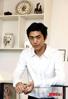 Sung Joon (성준) - Picture @ HanCinema :: The Korean Movie and Drama Database Asian Actors, Korean Actors, Sung Joon, Jo In Sung, Love Stars, Seong, Korean Beauty, Asian Men, Korean Drama