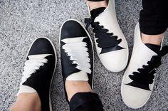 Latest European fashion ann demeulemeester twisted casual Flats