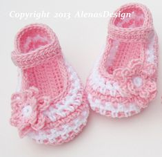88aee46dff547 26 Best Shoes images in 2019 | Slippers crochet, Crochet slippers ...