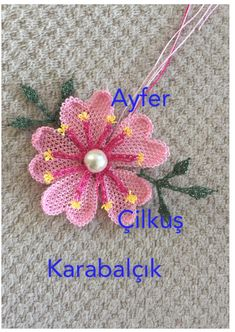 This post was discovered by Ayfer Karabalçık. Discover (and save!) your own Posts on Unirazi. Needle Tatting, Tatting Lace, Needle Lace, Needle And Thread, Beaded Flowers, Crochet Flowers, Crochet Poppy, Chicken Scratch, Point Lace