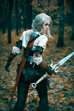Performed by Elena, this costume won her the second prize in CD Projekt's Cosplay Contest. Wiedźmin 3 Dziki Gon - https://cdp.pl/wiedzmin-3-dziki-gon-pc.html PS 4 skin z Ciri - https://cdp.pl/skin-wiedzmin-3-dziki-gon-geralt-i-ciri-ps4.html Medalion Wiedźmiński - https://cdp.pl/medalion-wiedzmin-3-dziki-gon.html