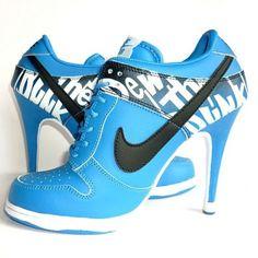 Cheap Women's Nike Dunk High Heels Low Shoes Light Blue/Black/White Low Shoes For Sale from official Nike Shop. Heel Boots For Women, Low Heel Boots, Heeled Boots, Shoe Boots, Low Heels, Ugg Boots, Nike Heels, Nike Dunks, Derniere Nike
