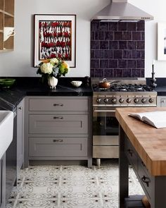 Truth About Soapstone Kitchen Countertops - Soapstone Countertops: Pros and Cons to Consider Soapstone Kitchen, Soapstone Countertops, Outdoor Kitchen Countertops, Kitchen Countertop Materials, Painted Countertops, Countertop Backsplash, Kitchen With Black Countertops, Soapstone Tile, Rustic Backsplash