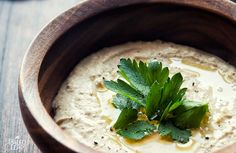 This healthy paleo Baba-ghanoush dip is very easy to prepare, doesn't require any special ingredients and tastes delicious with almost everything. Make it now!