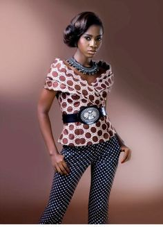 Maureen Ikem est à une marque nigérianne spécialisée dans la création d'articles faits main: vêtements de luxe, accessoires et bagagerie. Sa collection Printemps/Eté 2012 propose de très belles pièces en tissu wax que nous souhaitions partager. Page Facebook Maureen Ikem
