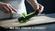 Meg kell hámozni a cukkinit? Zucchini Chips, Zucchini Noodles, Zucchini Vegetable, Vegetable Rack, Pasta Alternative, Caldos Light, Fruits And Vegetables, Veggies, Avocado Pesto