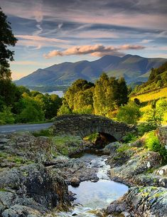 The ancient Ashness Bridge ... Lake District, England,
