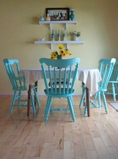 Blue and yellow kitchen...I'd use these colors for a laundry room though