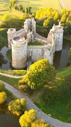Beautiful Castles, Beautiful Buildings, Beautiful Places, Chateau Medieval, Medieval Castle, Chateau Moyen Age, Witches Castle, French Castles, Château Fort