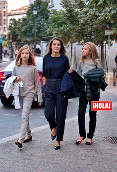 Princess Of Spain, Princess Mary, Prince And Princess, Royal Fashion, Girl Fashion, Fashion Outfits, Moda Zendaya, Spanish Royalty, Adele