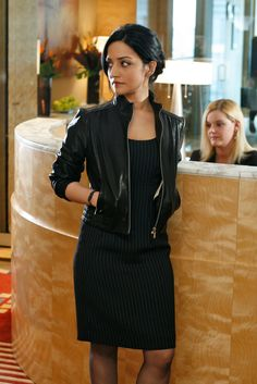 Kalinda Sharma in a sheath dress and leather jacket #thegoodwife  Bad-ass office attire  The Good Wife's private investigator Kalinda Sharma.   I would LOVE to dress like her.