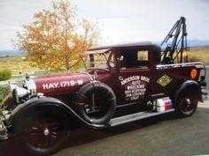 Lincoln sedan converted into a service car Antique Trucks, Antique Cars, Auto Service, Lincoln, Vehicles, Vintage Cars, Car, Vehicle, Tools