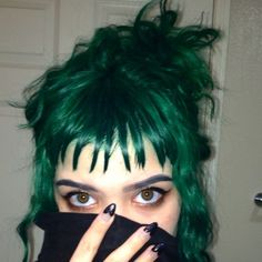 reminds me of Wynona Ryder from Beetlejuice. I have no idea if I spelled her name right.
