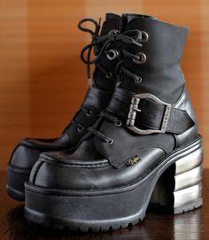 BUFFALO Biker platform boots goth 90's Club by VintagePlatformDeal