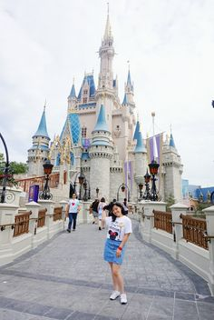 Day 3 of Walt Disney World trip now live! <3 Come in and see my very casual last-minute outfit and my experience at the most magical park of all! @DisneyStore @Forever 21 @PUMA @ArmaniExchange #ontheblog #traveldiaries #travelblogger#travelblog #vacationstyle #vacationwear#exploremore #pursuepretty #potd#flashesofdelight #postitfortheaesthetic#fashiongram #fashiondaily #bloggerstyle#fashionista #vancouverblogger#fashionblogger #styleblog #fbloggers#instastyle #aboutalook…
