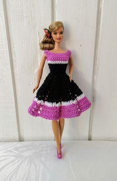 Crochet Dress Girl Pattern Barbie Clothes 51 Ideas For 2019 Crochet Dress Outfits, Crochet Girls Dress Pattern, Crochet Doll Dress, Crochet Barbie Clothes, Girl Dress Patterns, Knit Dress, Crochet Barbie Patterns, Crochet Ideas, Moda Barbie