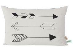 coussin 'Native Arrow' 60x40cm Ferm Living   shop pour enfants Le Petit Zèbre