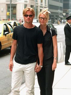 Brad Pitt Is the Only Style Icon That Matters—Hear Me Out - - Fact: Brad Pitt's style was straight fire. See all the throwback outfits that have us convinced he's a style icon. Gwyneth Paltrow, Valentino, Givenchy, Style Année 90, Cool Style, Elsa Peretti, Carolina Herrera, Karl Lagerfeld, Brad Pitt Style