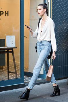 Street style à la Fashion Week haute couture automne-hiver 2017-2018 de Paris Classic, clean, chic