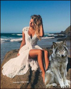 Woman and Wolf Wolves And Women, Beautiful Wolves, Beautiful Ladies, Alpha Wolf, Wwe Female Wrestlers, Wwe Womens, Animals Images, World Cultures, Big Cats
