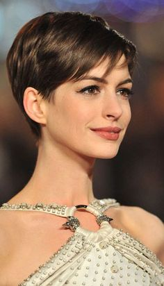 Short haircut and style ideas for women with fine hair. If you like wearing your fine hair short, check out this list of chic new short hairstyles for fine hair Haircuts For Fine Hair, Short Pixie Haircuts, Cute Hairstyles For Short Hair, Pixie Hairstyles, Pretty Hairstyles, 2015 Hairstyles, Short Grey Hair, Very Short Hair, Short Hair Cuts