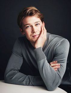 """Joe Alwyn photographed by Taylor Jewell for """"A Christmas Carol"""" Portrait Session in New York, December 17 2019 [gallery link] Selena And Taylor, Taylor Swift, Aspen Leger, Louis Hofmann, Maxon Schreave, February Baby, Good Genes, Best Documentaries, Film Awards"""