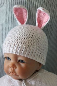 Baby Knitting Patterns Beanie Free crochet pattern for baby hat Bunny Crochet Baby Hat Patterns, Crochet Bunny Pattern, Crochet Baby Hats, Crochet Beanie, Crochet Patterns Amigurumi, Free Crochet, Knitted Hats, Baby Hut, Textiles