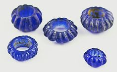 Blue glass beads, Wh