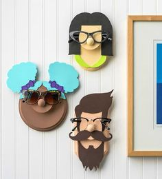 Learn how to make a DIY glasses holder that looks like a face with simple wood surfaces from the craft store. This eyeglass holder is SO cute and easily customized. Glue Crafts, Diy And Crafts, Decor Crafts, Eyeglass Holder Stand, Diy Glasses, Deco Originale, Craft Corner, Contemporary Home Decor, Creative Crafts