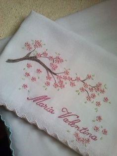 Resultado de imagen para manta para bebe bordada a mão