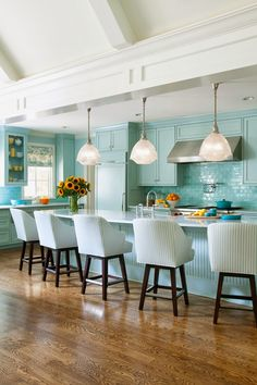 There's no doubt about it, this one left me speechless! Leave it to none other than than Little Rock, Arkansas-based interior designer Tobi Fairley to create such a spectacular home filled wi…
