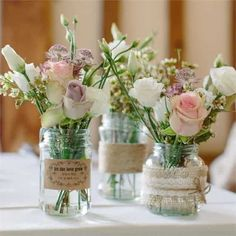 Buenos días bonita!! Conitnuamos nuestro Tour para un matrimonio vintage con los centros de mesa. El elemento principal de las mesas y esa que despierta al tentación en todos los invitados para llevárselo a casa : ¡Tienen que ser hermosas! ;) ¿Cuál