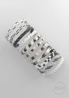 Loom Bracelet Patterns, Bead Loom Bracelets, Bead Loom Patterns, Bracelet Crafts, Peyote Patterns, Beading Patterns, Gold Bracelets, Beading Tutorials, Embroidery Bracelets