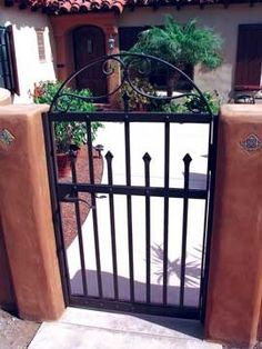 Spanish Colonial Entry Gate, hand-forged iron by David Browne Metal Design Spanish Style Homes, Spanish Revival, Spanish House, Spanish Colonial, Spanish Bungalow, Metal Garden Gates, Metal Gates, Wrought Iron Fences, Gates And Railings