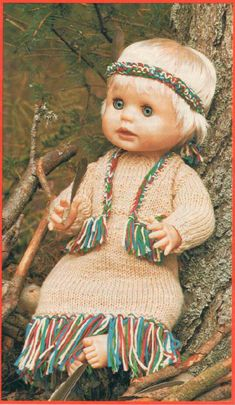 Minnie Ha-Ha, pattern for a First Love doll from Woman's Value, January Doll Outfits, Clothing Patterns, Doll Clothes, First Love, January, Crochet Hats, Colour, Dolls, Knitting