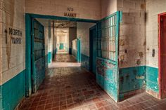 North Yard | West Virginia State Penitentiary Moundsville, W… | Flickr - Photo Sharing! Abandoned Prisons, Abandoned Property, Abandoned Places, Haunted America, Across The Border, U.s. States, Take Me Home, Wild West, West Virginia
