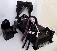 Sleep under the dark skies bedroom - Doll furniture pro MH,EAH,Barbie and other dolls