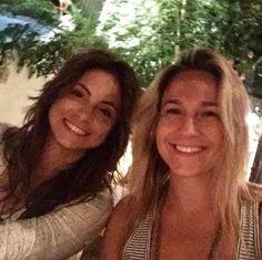 Sorridente, Fernanda Gentil publica primeira foto com namorada no Instagram