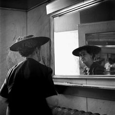 Photography: Vivian Maier ~ Lighting Pixels