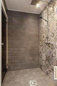 Marokkolaiset laatat pesuhuoneessa Bathroom Tile Designs, Bathroom Design Small, Bathroom Layout, Bathroom Interior Design, Rustic Bathrooms, Dream Bathrooms, Laundry In Bathroom, Downstairs Bathroom, Master Bedroom Makeover